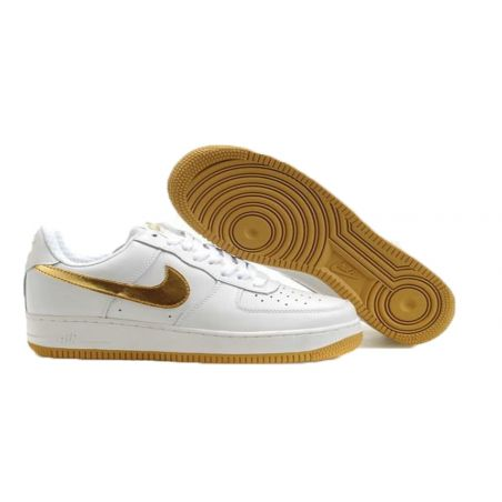 NIKE AIR FORCE ONE LOW BLANCAS LOGO DORADO