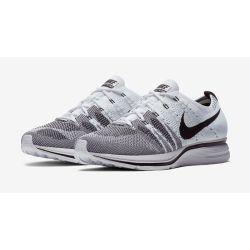 Nike Flyknit Trainer Blancas Negras