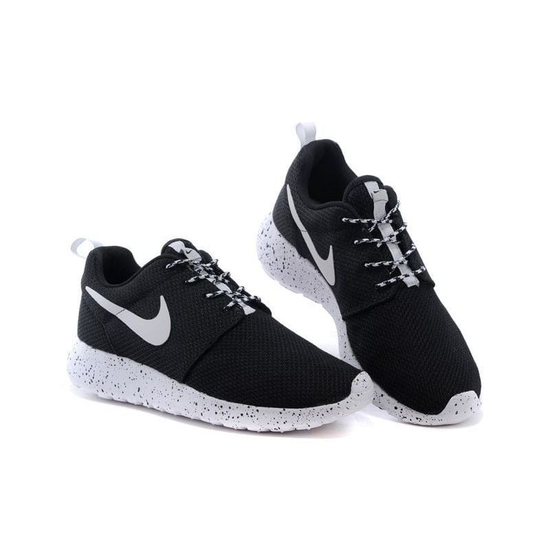"Roshe Run ""White/Black"""
