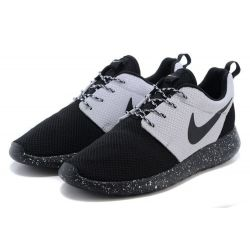 NIKE ROSHE RUN BLANCAS NEGRAS MODEL 6