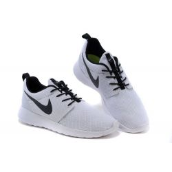 NIKE ROSHE RUN BLANCAS NEGRAS MODEL 8