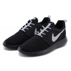 NIKE ROSHE RUN BLANCAS NEGRAS MODEL 9