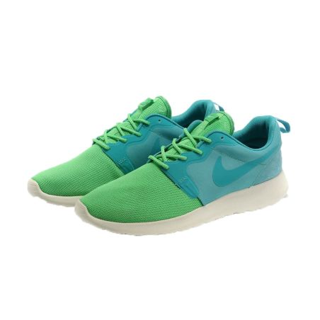 NIKE ROSHE RUN HYPERFUSE VERDE